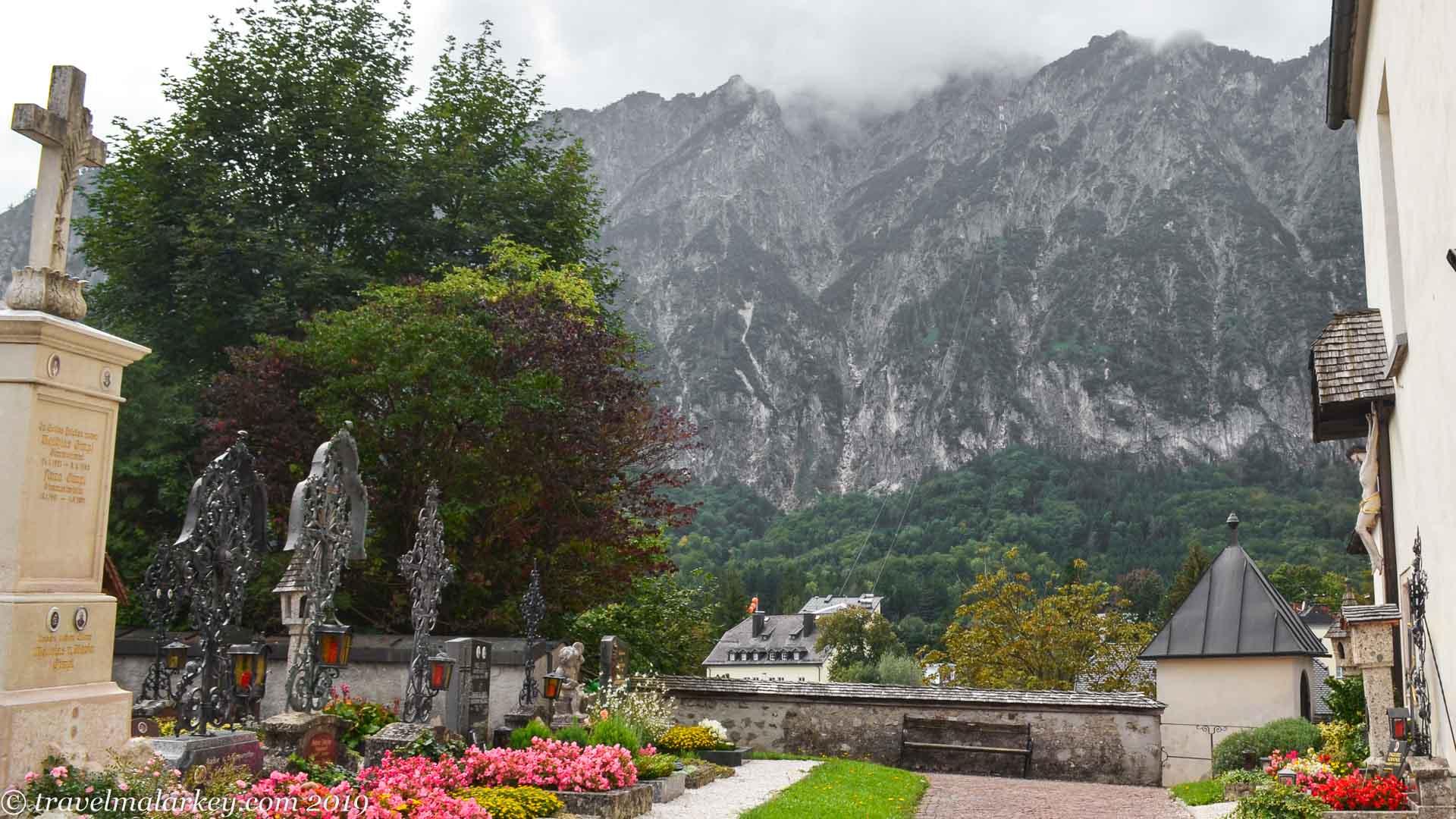 Church yard & Mountains St Leonhard